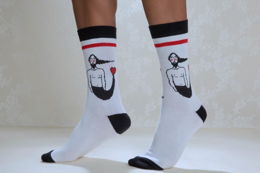 e47befca3 The Designer  Ode to socks   Η ποιητική πλευρά των καθημερινών ...
